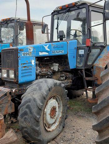 Агрофірма продаст трактор МТЗ-1221