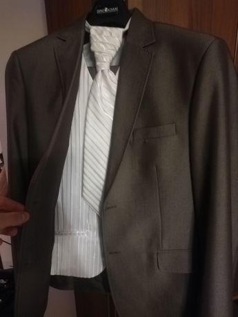 Garnitur ślubny, gratisy-kamizelka i krawat, polecam serdecznie