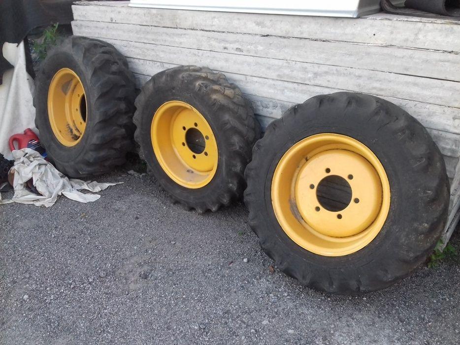 Jantes e Pneus Retro / Tractor/ Mini Pá Rio Tinto - imagem 1