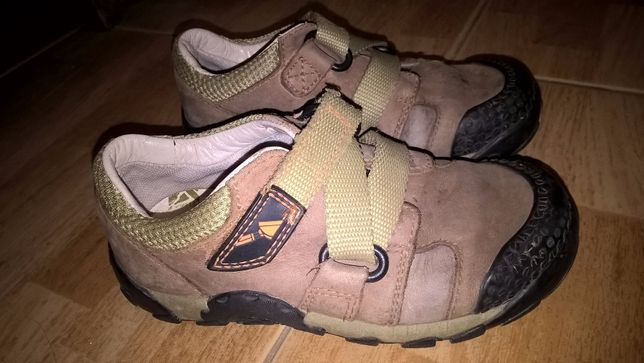 кроссовки Clarks