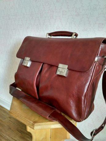 Продается кожаная деловая сумка темно-бордового цвета