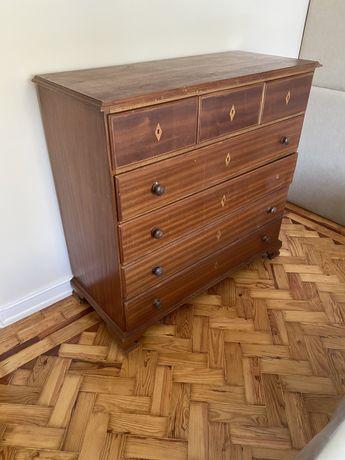 Comoda antiga de madeira