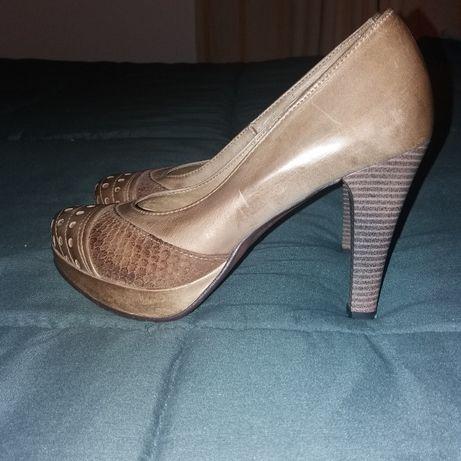 Sapatos novos tamanho 37
