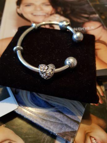 Oryginalny charms Pandora sentymentalne kwiaty