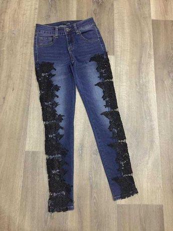 джинси с кружевом miss bonbon,24\25 р на девочку подростка