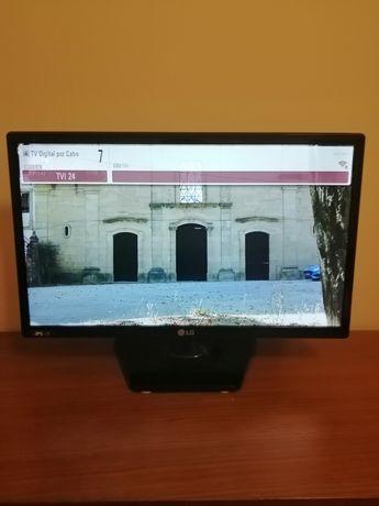 Vendo TV LG com entrada USB