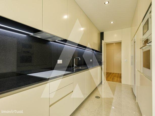 Apartamento T3 novo com garagem e terraço