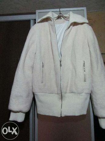 ЭКСКЛЮЗИВНАЯ куртка молочного цвета рр л