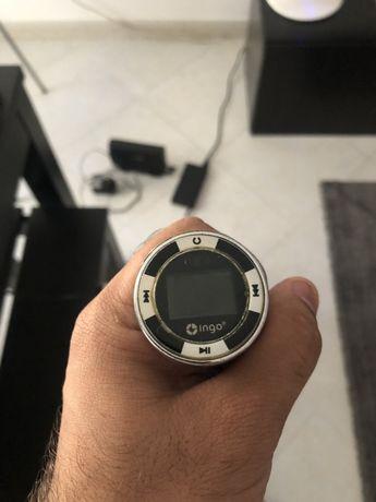 Transmissor FM com entrada USB para carro