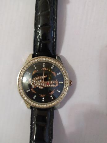 Часы наручные. Прекрасный подарок.