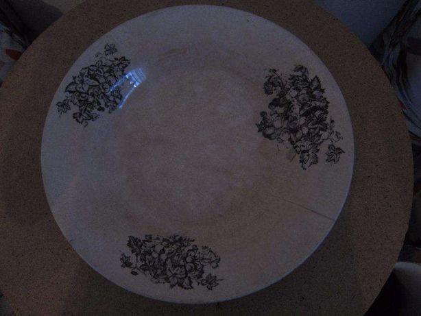 Prato para Rabanadas com Cacho de Uvas 35 cm de diâmetro - Antiguidade