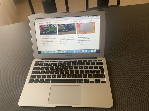 Macbook Air 11,6 early 2015 4gb ram 128 ssd i5