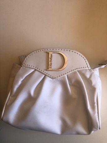 Bolsinha Dior branca. Nova e original.