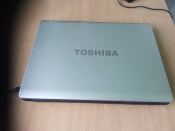 Ноутбук TOSHIBA в отличном состоянии 3000.00 с дисководом
