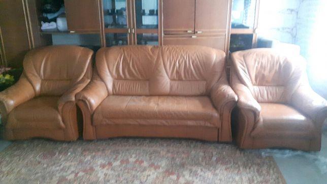 Шкіряний диван розкладний і два крісла