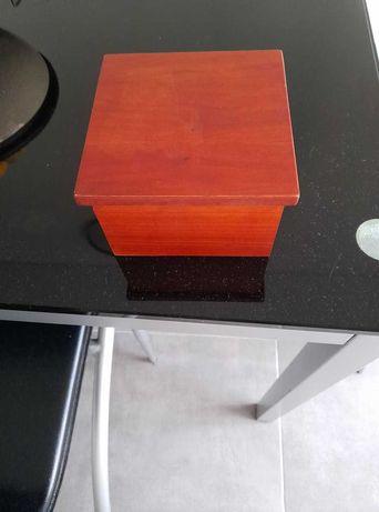 Caixa em madeira com tampa