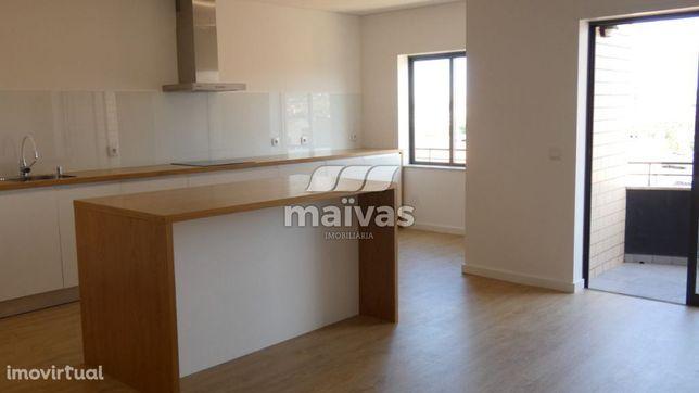 Apartamento T3 Duplex Remodelado em Lamaçães, Braga