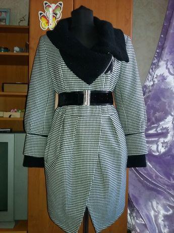 Новое модное демисезонное пальто, р.44
