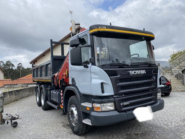 Scania 6x4 com bascula e grua