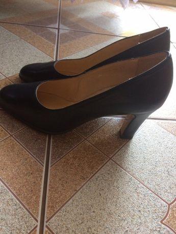 skórzane nowe buty damskie
