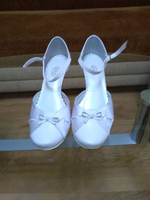 Buty ślubne buty do ślubu białe Sędziszów - image 1