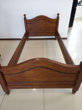Solidne łóżko dębowe jednoosobowe, nieużywane, nowe