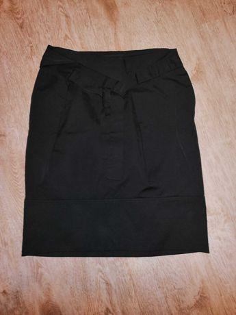 Czarna klasyczna spódnica rozmiar S