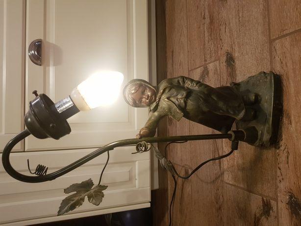 Stara lampa stojaca