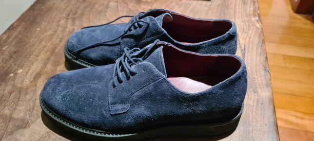 Sapatos Geox , azuis escuros , tamanho 42. Novos.