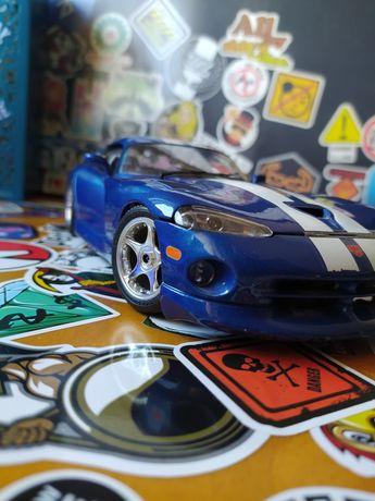 Dodge Viper GT5 coupe 1/18 BURAGO