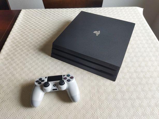 PlayStation 4 Pro / Ps4 Pro 1Tb completa com 18 jogos