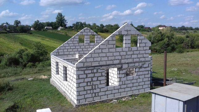 Продам будинок ( коробка , фундамент )