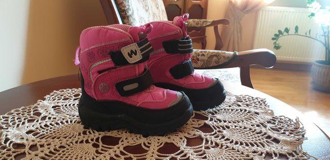 Buty zimowe dziecięce rozmiar 23 stan idealny.