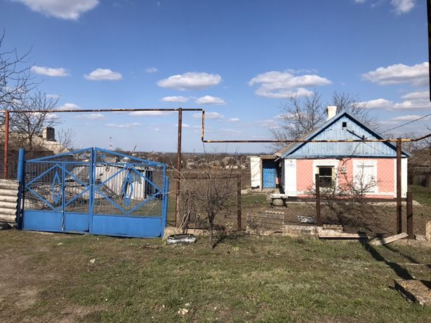 Продам земельный участок с домиком в п. Никольское (Володарское)