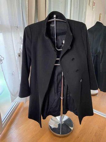 Casaco preto de comprimento médio da Massimo Dutti - tamanho 42