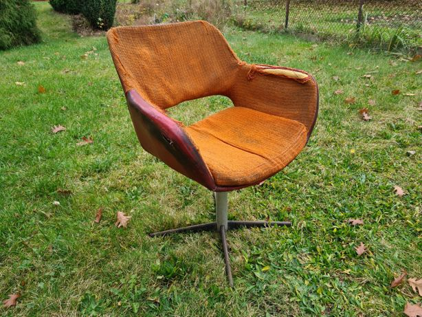 fotel obrotowy krzesło muszelka lata 70 PRL loft vintage industrial