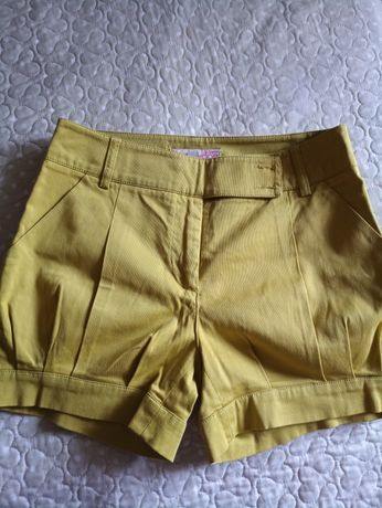Шортики желто-горчичного цвета,36р-р