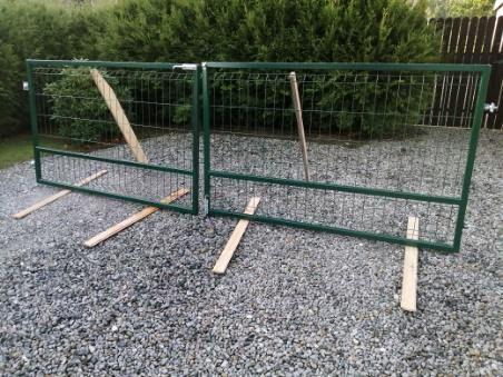 Brama wjazdowa dwuskrzydłowa/barierka/balustrada balkonowa