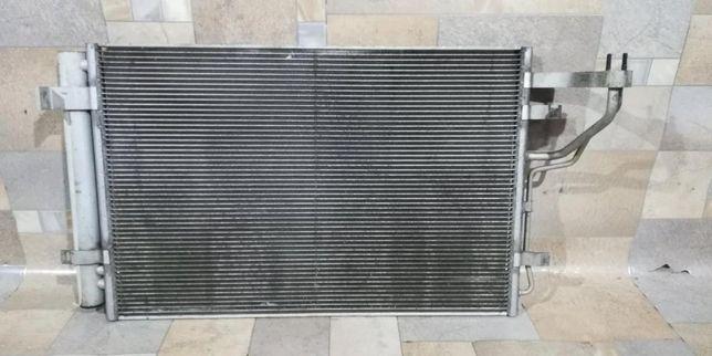 Радиатор кондиционера/двигателя, вентилятор Hyundai i30 2007-2012