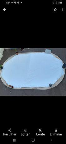 Cobertura de piscina muito resistente.