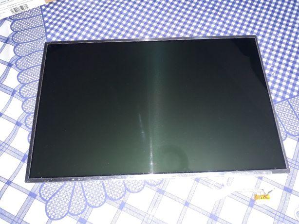 Ecra 15.4'' modelo CLAA154WP05A