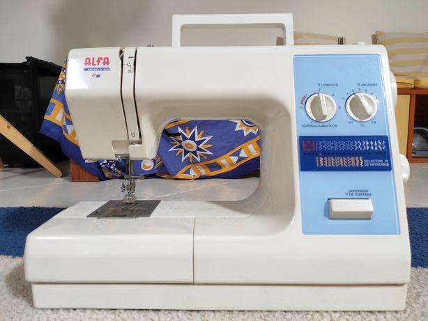 Máquina Costura Alfa 654 COMO NOVA