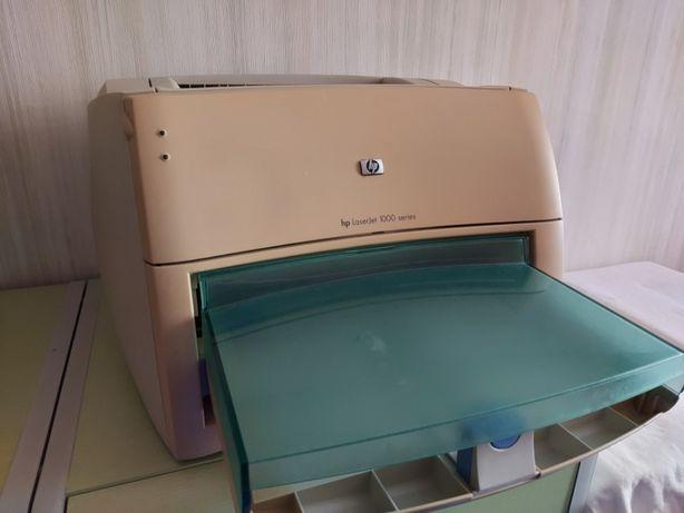 Продам лазерный принтер HP LaserJet 1000