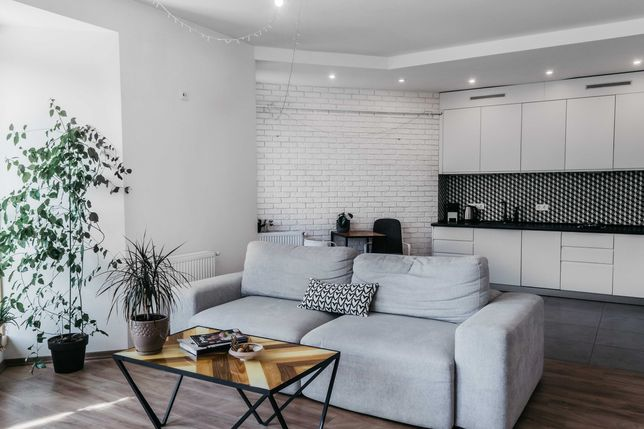 Продаж квартири 2 кімнатна Прогулянка 88м2, 189000