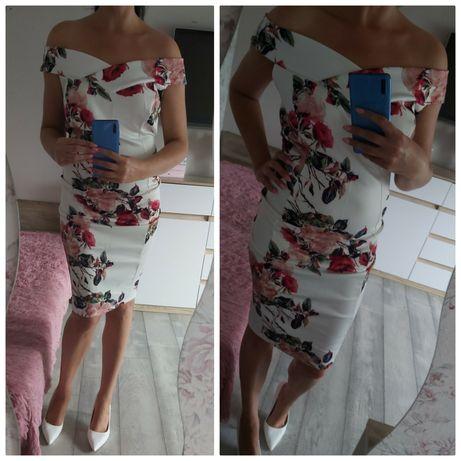 Sukienka bardotka w róże