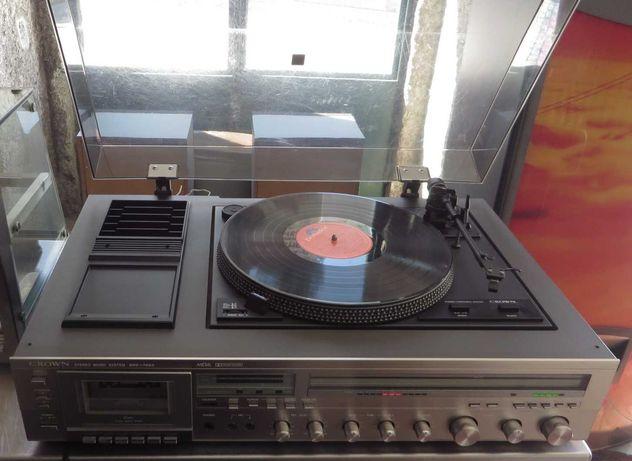 Gira discos, rádio, gravador de cassetes CROWN SHC-7000
