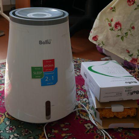 Увлажнитель воздуха BALLU EHB-010 как новый плюс две сменные губки