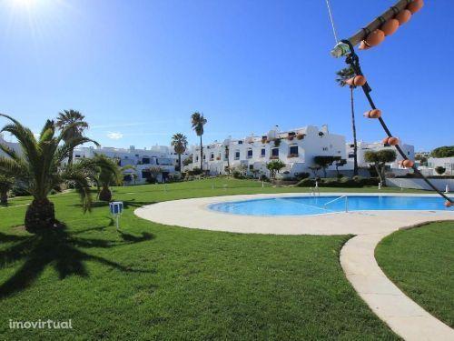 Apartamento T2 com Piscina perto da Praia, Grandes Areas, Em Albufeira