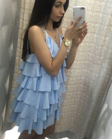 Hit blekitna sukienka falbany