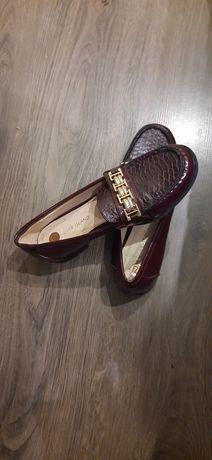 Туфлі жіночі бордові